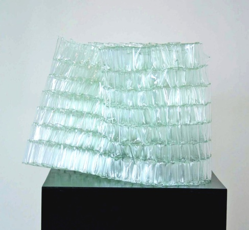 Tumbler, 2007, 40 x 50 x 40 cm, fused glass