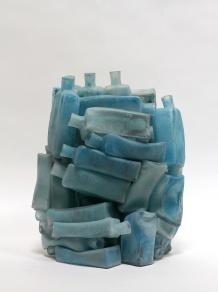Freezer, 2017, 40 x 30 x 20 cm, fused glass, glass paint (Kunstsammlungen der Veste Coburg)