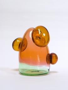 Aurora, 2020, 25 x 21 x 15 cm, blown glass